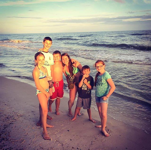 Sunsets with friends at the beach! Come and make memories to last forever. #summerfun #familyvacations #beachvacations #orangebeach