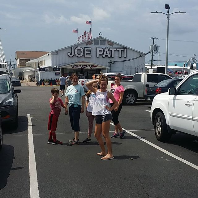 At Joe Pattis Seafood loading up on for that does not suck.  #joepattis #joepatti #orangebeach #gulfshores #orangebeachcondo