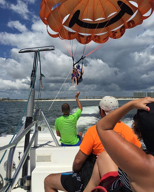 Parasailing at Orange Beach, AL is such fun. Flying high with your best friend! #parasailing #parasailingadventure #orangebeachalabama